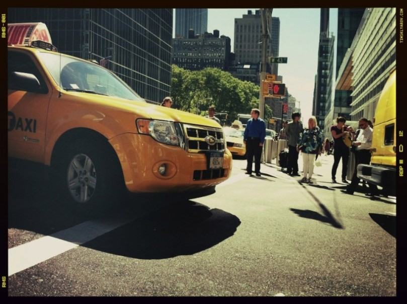 People-on-the-Streets-of-NYC_23-818x611