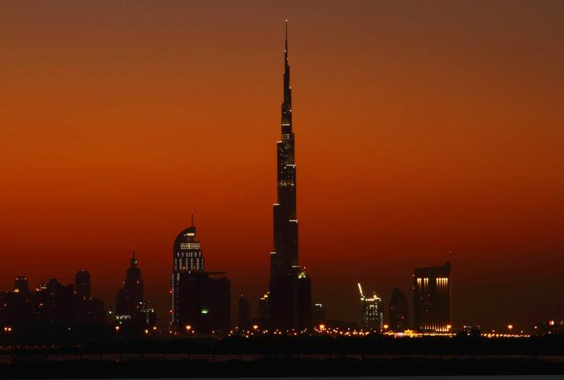 dubai_burj_khalifa_sunset_by_grosvenor_photos-d32or24