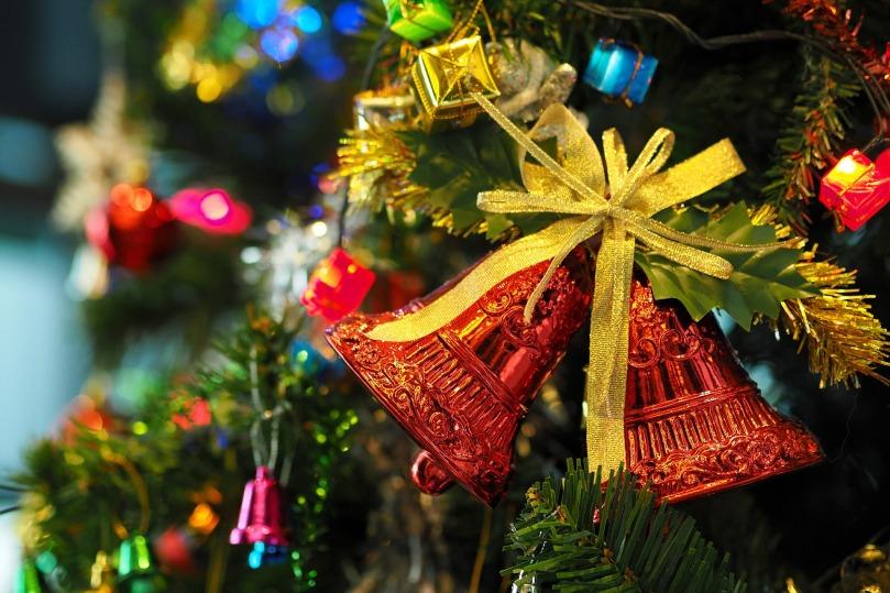the-christmas-tree-1081321_1920